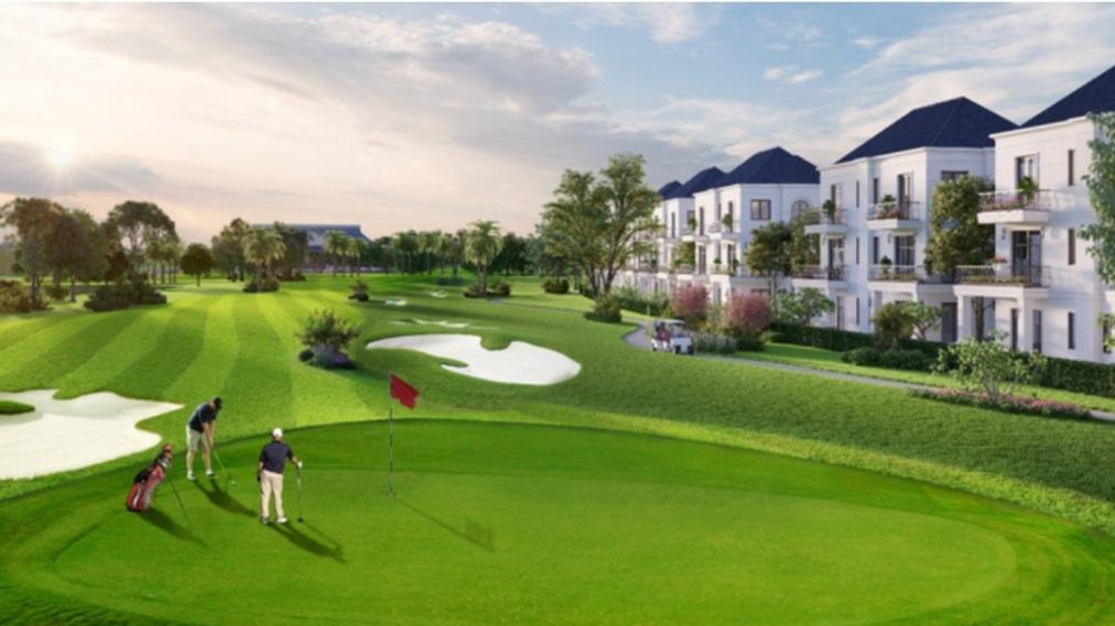 Wes Lakes Golf & Villas được bao quanh bởi sân golf hiện đại chuẩn quốc tế